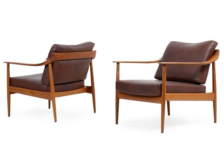 Beautiful pair of 1960s teak easy chairs, very rare with leather upholstery, made to order. Very good condition, Knoll antimott, Germany 1960s, Mid-Century Modern design.
