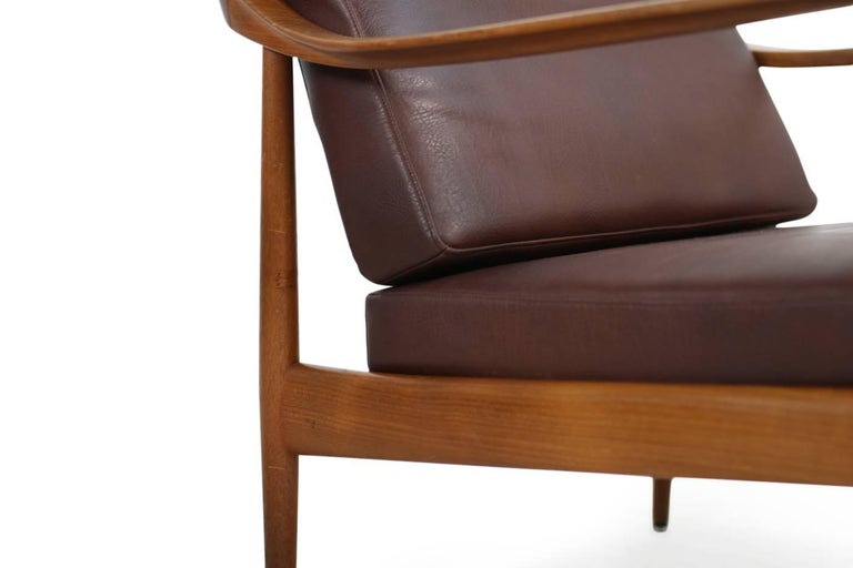 Pair of 1960s Teak & Leather Easy Lounge Chairs Knoll Antimott Mid-Century For Sale 1