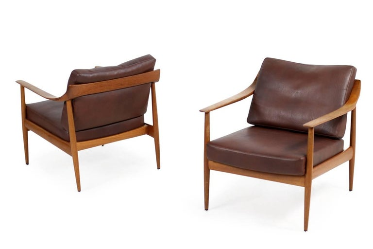 Mid-20th Century Pair of 1960s Teak & Leather Easy Lounge Chairs Knoll Antimott Mid-Century For Sale