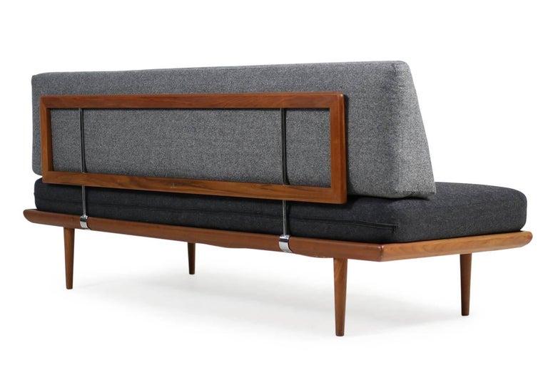 1960s Danish Teak Daybed Peter Hvidt & Orla Mølgaard Nielsen Sofa New Upholstery In Good Condition For Sale In Hamminkeln, DE