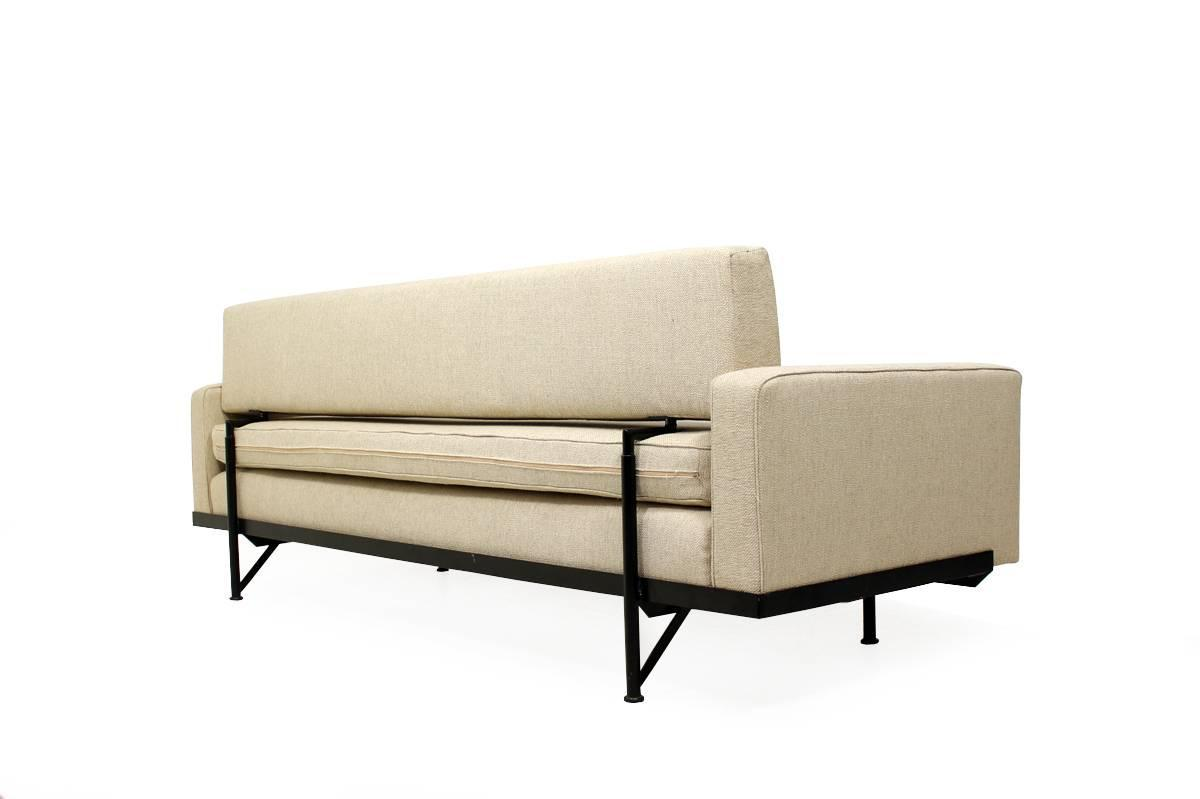 Florence knoll daybed model 702 midcentury sofa metal frame 1958 at 1stdibs Steel frame sofa