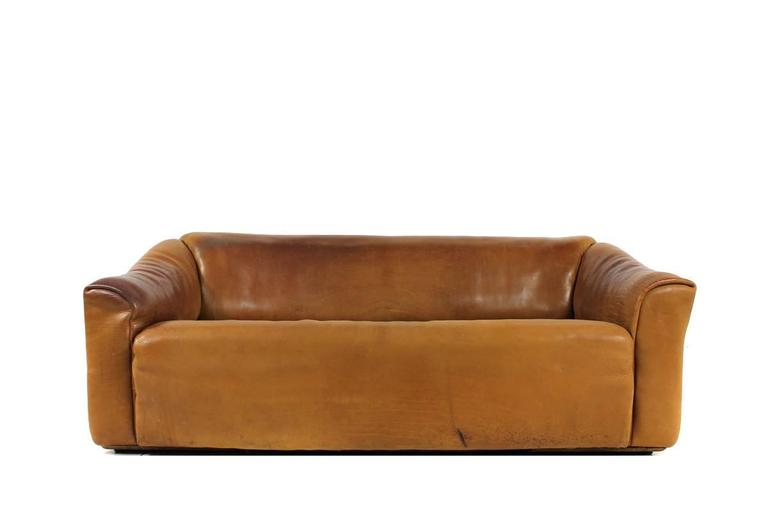 1970s de sede ds 47 vintage buffalo leather cognac sofa no 2 at 1stdibs. Black Bedroom Furniture Sets. Home Design Ideas