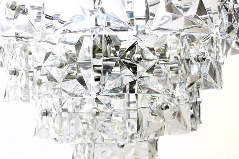 Kinkeldey Crystal Glass and Chrome Four-Tier Chandelier, Germany, 1970s In Excellent Condition For Sale In Hamminkeln, DE