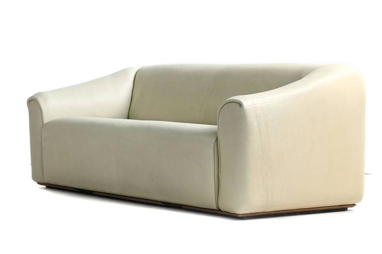 Late 20th Century 1970s De Sede DS 47 Buffalo Leather Lounge Sofa with Extendable Seat Ecru no. 2 For Sale
