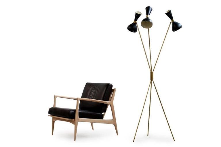 Amazing Italian Minimalist Adjustable Tripod Floor Lamp Brass in Stilnovo Style For Sale 1