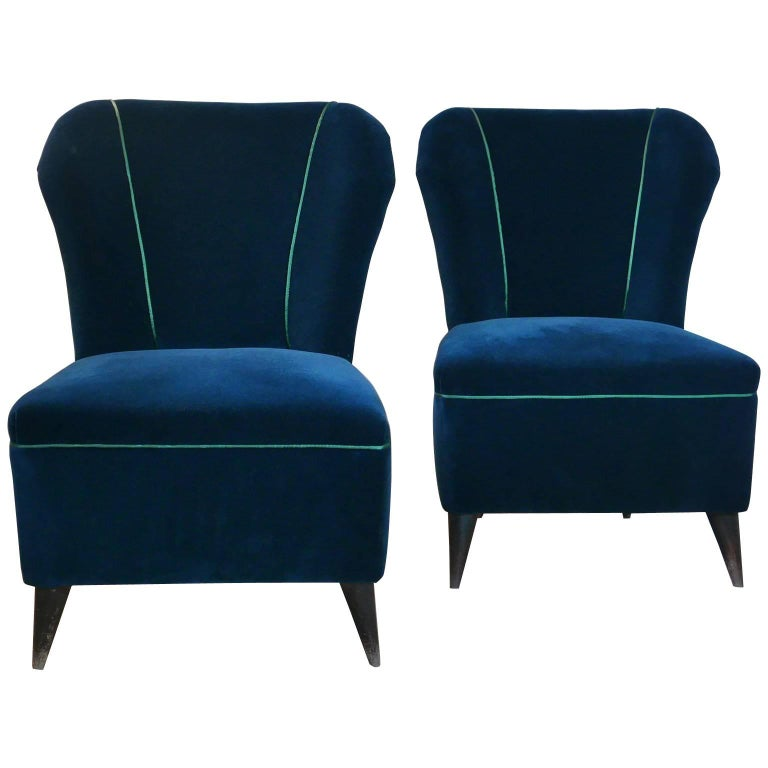 Pair of Enchanting Midcentury Armchairs  by ISA  in Green Velvet,  Italy 1950s For Sale