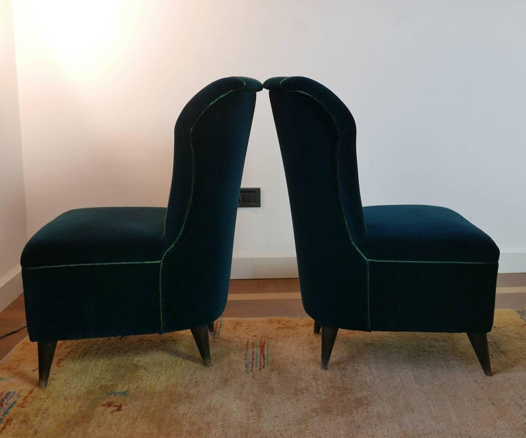 Mid-Century Modern Pair of Enchanting Midcentury Armchairs  by ISA  in Green Velvet,  Italy 1950s For Sale