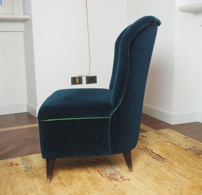 Italian Pair of Enchanting Midcentury Armchairs  by ISA  in Green Velvet,  Italy 1950s For Sale