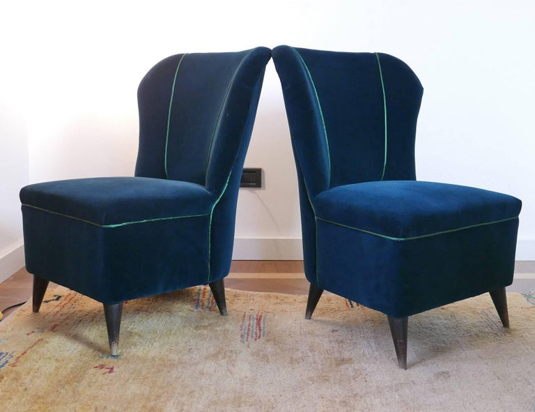 Mid-20th Century Pair of Enchanting Midcentury Armchairs  by ISA  in Green Velvet,  Italy 1950s For Sale