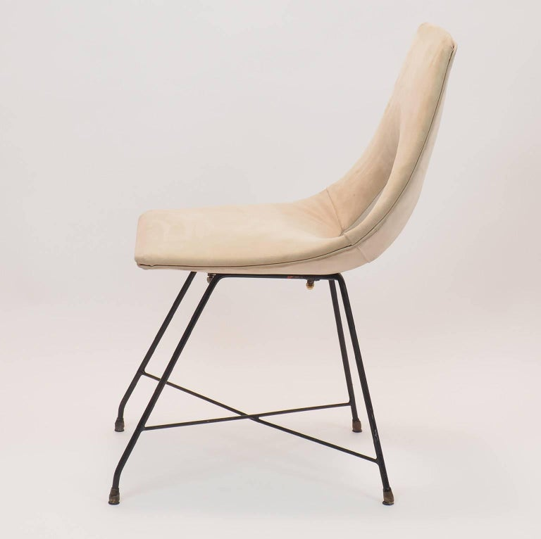 Midcentury Suede Chair  Designed by Augusto Bozzi for Saporiti, Italy, 1950s In Good Condition For Sale In Milano, IT