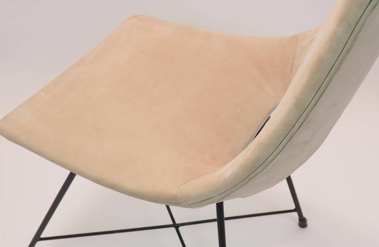 Midcentury Suede Chair  Designed by Augusto Bozzi for Saporiti, Italy, 1950s For Sale 1