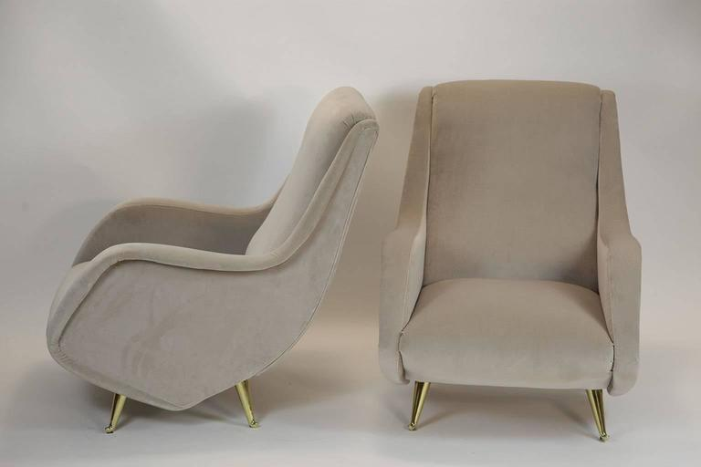 Fine Italian Lounge Chairs Manufactured by ISA,  Milano, Italy 1950's In Excellent Condition For Sale In Milano, IT