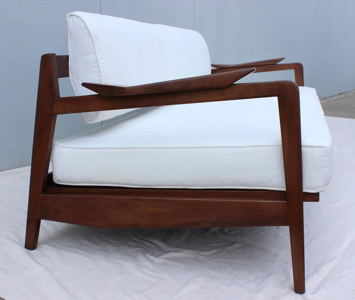 1960s Jens Risom Solid Walnut Daybed At 1stdibs