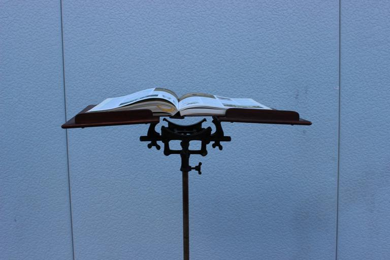 1930s Mahogany and Cast Iron Adjustable Library Book Stand For Sale 2