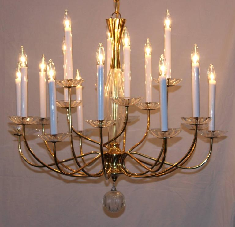 Mid-Century Modern 1950s Modern Large Brass and Cut-Glass Chandelier by Lightolier For Sale