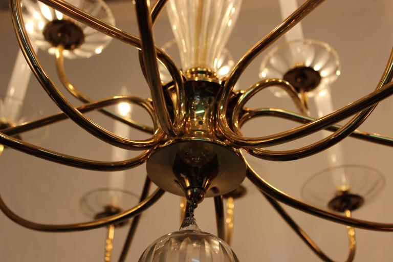 1950s Modern Large Brass and Cut-Glass Chandelier by Lightolier For Sale 1