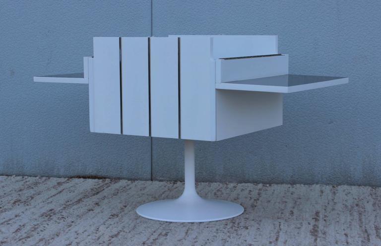 Mid-Century Modern Swivel Bar/Cabinet by Lane For Sale 4