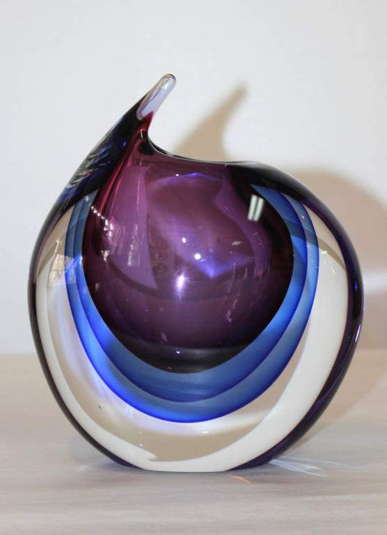 1970s modernist Murano glass vase in the style of Luigi Onesto.