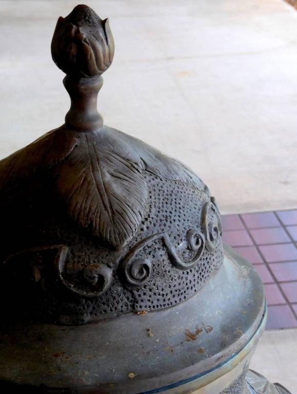 Monumental Bronze Garden Urn, Planter, or Jadiniere In Good Condition For Sale In Palm Beach Gardens, FL