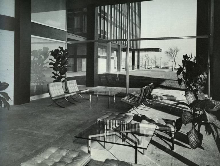 Stainless steel barcelona table by ludwig mies van der - House doctor barcelona ...