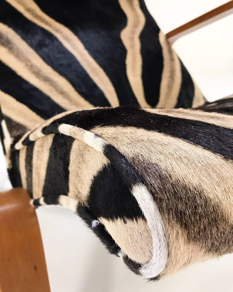 20th Century Eero Saarinen for Knoll Grasshopper Chair and Ottoman in Zebra Hide For Sale