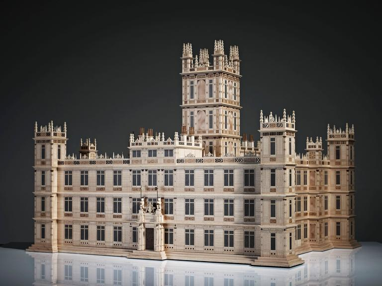 Over the years, British design company Linley has developed expertise in creating scaled versions of famous architectural buildings including the Metropolitan Museum of Art, the Royal Albert Hall and the Royal Opera House. In this instance,