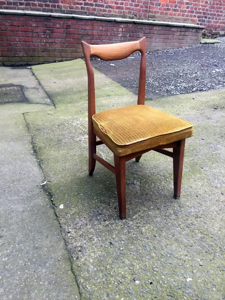 Guillerme et Chambron Set of 12 Oak Dining Chairs, circa 1965 In Excellent Condition For Sale In Saint-Ouen, FR
