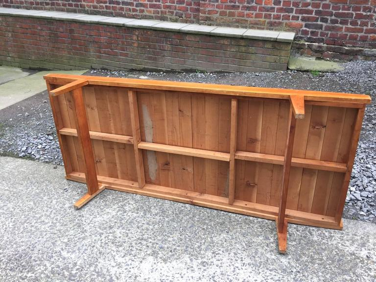 1950s Daybed in Pine, Seat and Cushion Covered with Velvet In Excellent Condition For Sale In Saint-Ouen, FR