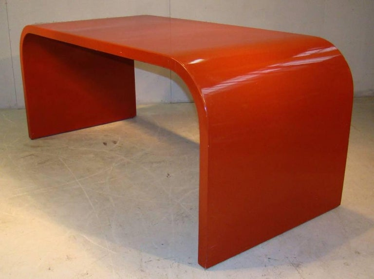Mid-Century Modern Rare Large Desk in Laminated Wood, Red Lacquered. French Work, circa 1960s-1970s For Sale