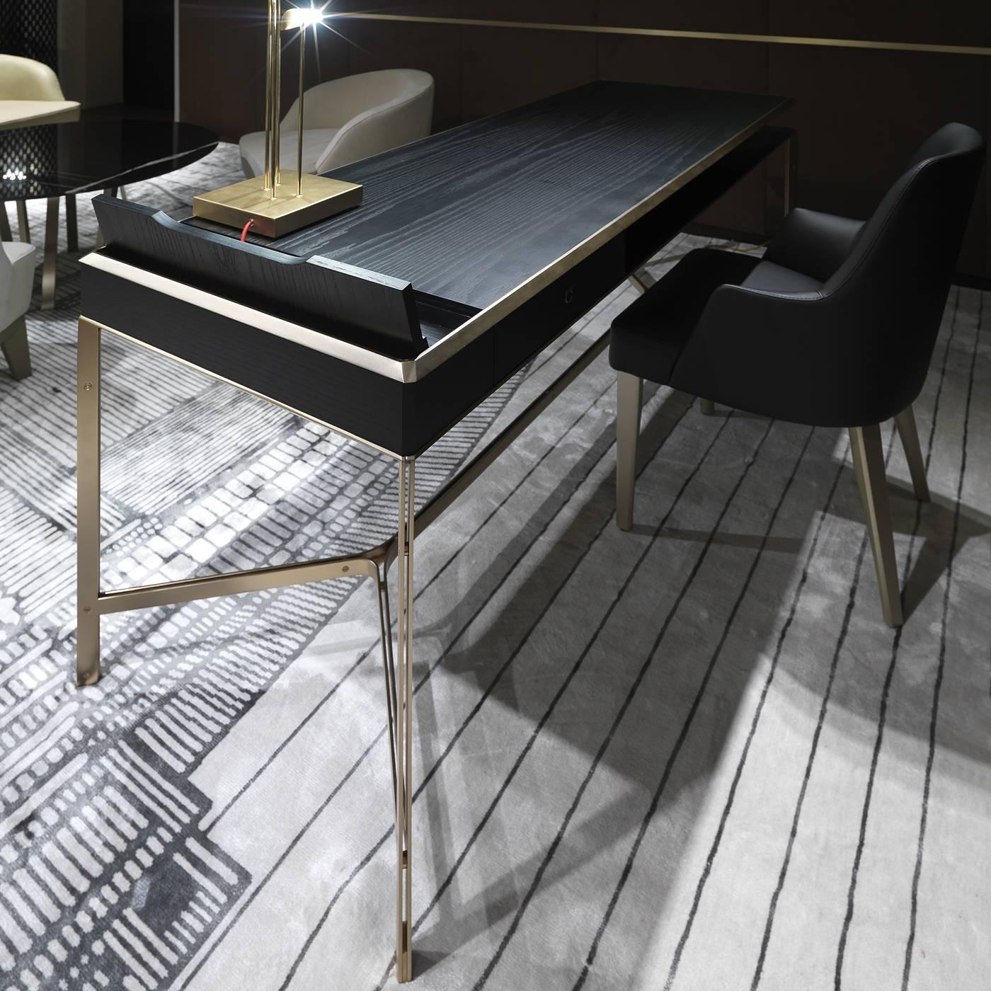 Bds desk for sale at 1stdibs for Loft via savona 97