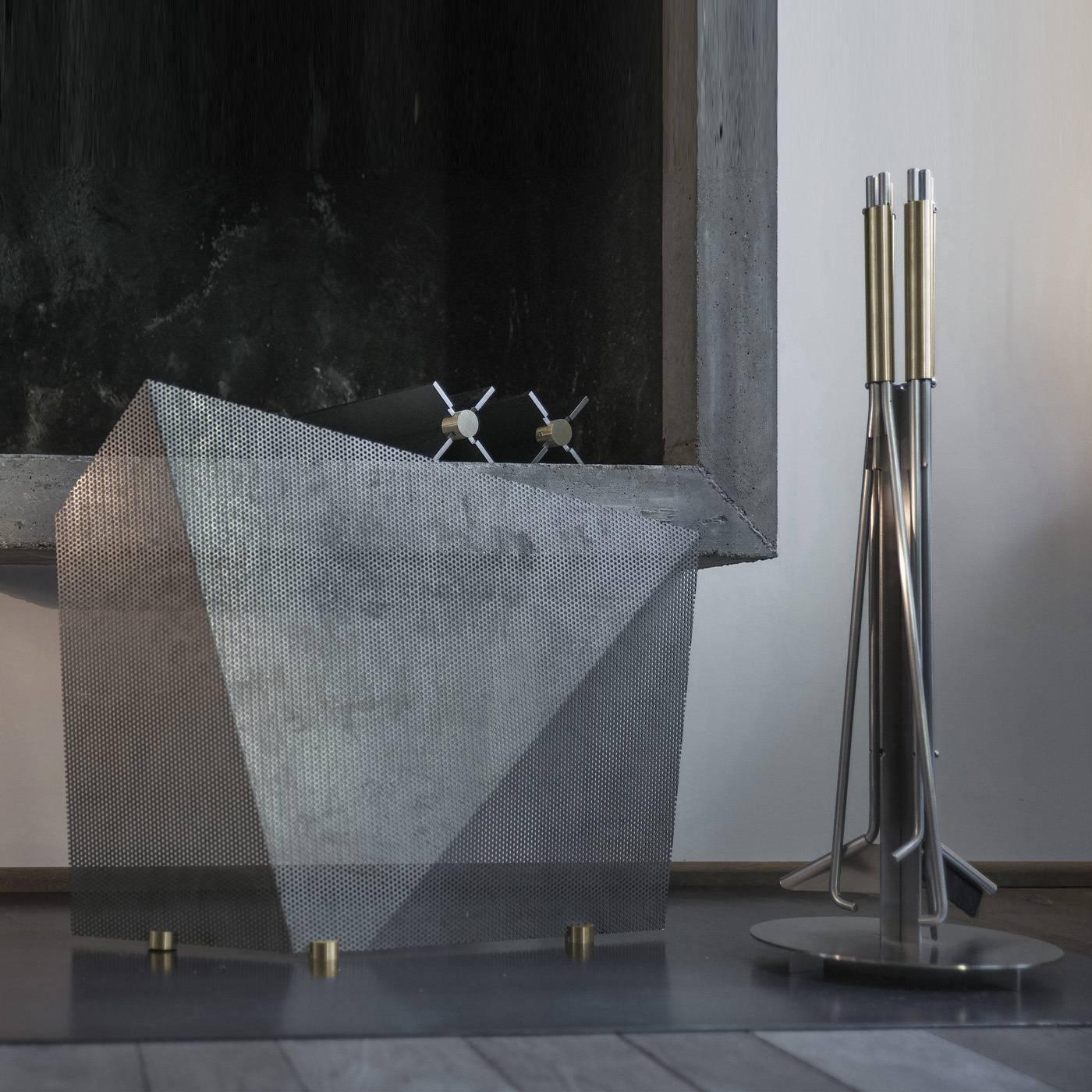 9 metal fireplace shield for sale at 1stdibs for Loft via savona 97
