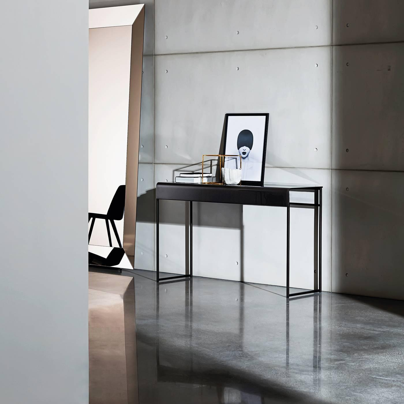 Metal console for sale at 1stdibs for Loft via savona 97