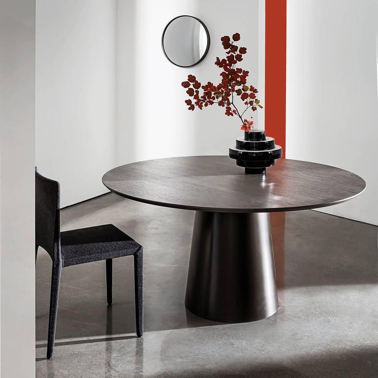 elegance design 72 round dining table | Elegant Round Living Room Table For Sale at 1stdibs