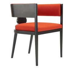 Striking 'Lira' Club Chair with a Timeless Design