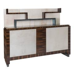 Stunning Console with a Sophisticated Design