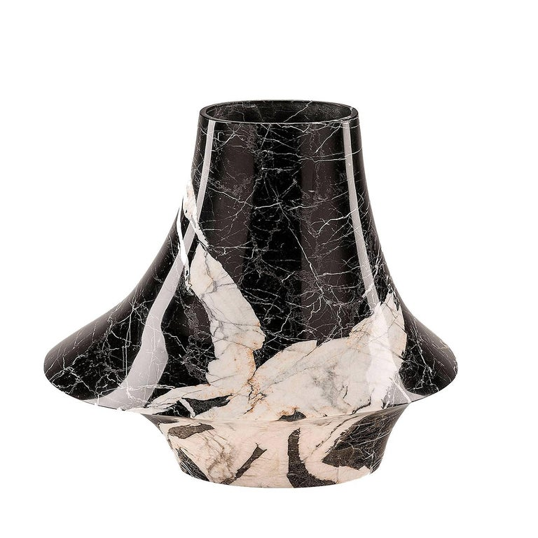 Eccentrico Small Marble Decorative Vase