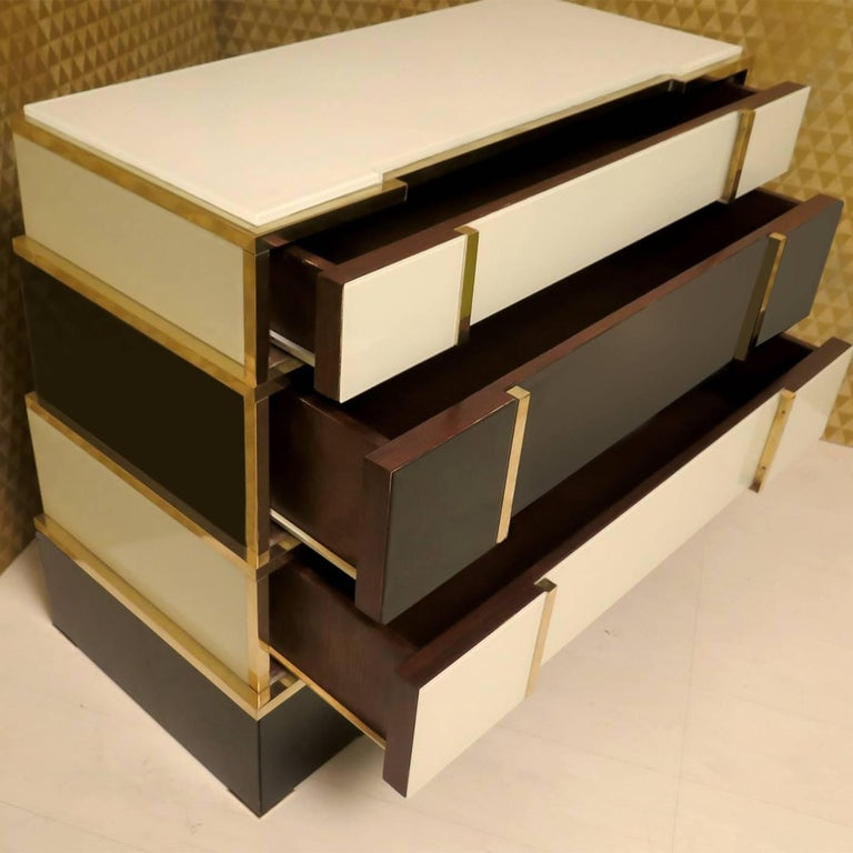 Pyramid Chest of Drawers In New Condition For Sale In Milan, IT