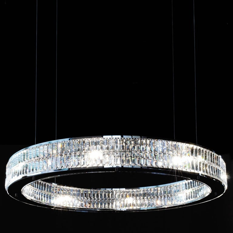 Eclipse Chandelier In Excellent Condition For Sale In Milan, IT