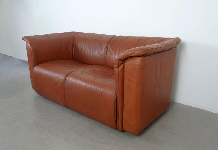 hochbarett leather sofa by karl wittmann for wittmann austria 1970s at 1stdibs. Black Bedroom Furniture Sets. Home Design Ideas