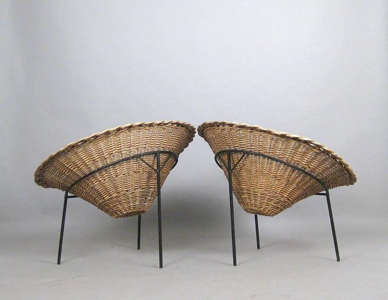 Mid Century Modern Pair Of Mid Century Italian Wicker Chairs By Roberto  Mango For