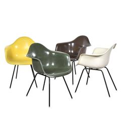 Set of 4 Eames DAX Herman Miller USA Dining Chairs (no.1)