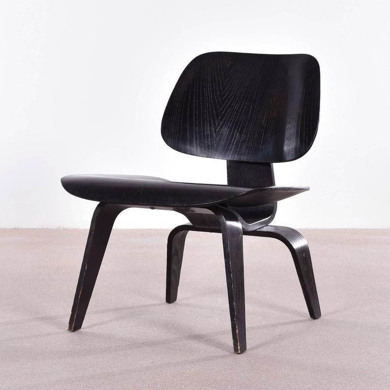 Etonnant Mid Century Modern Eames LCW Black Stained Ash Lounge Chair For Herman  Miller For Sale