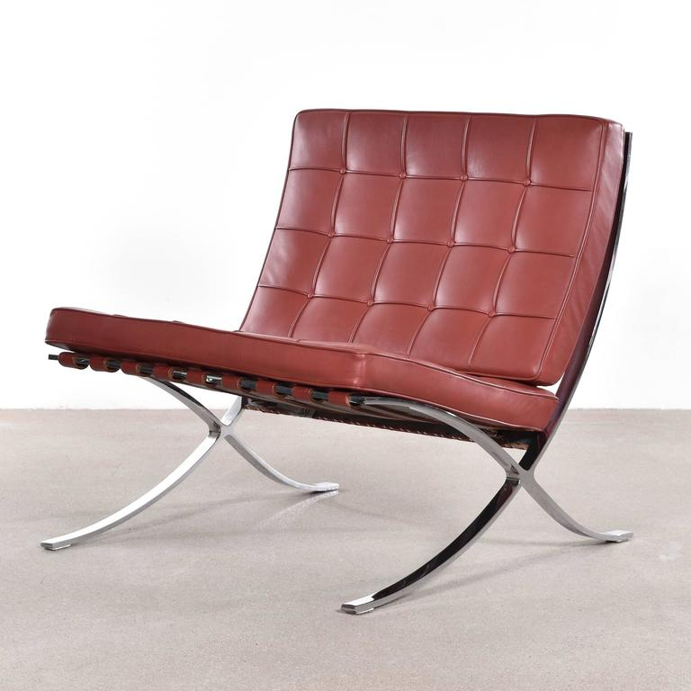 barcelona chair by ludwig mies van der rohe for knoll for sale at 1stdibs. Black Bedroom Furniture Sets. Home Design Ideas