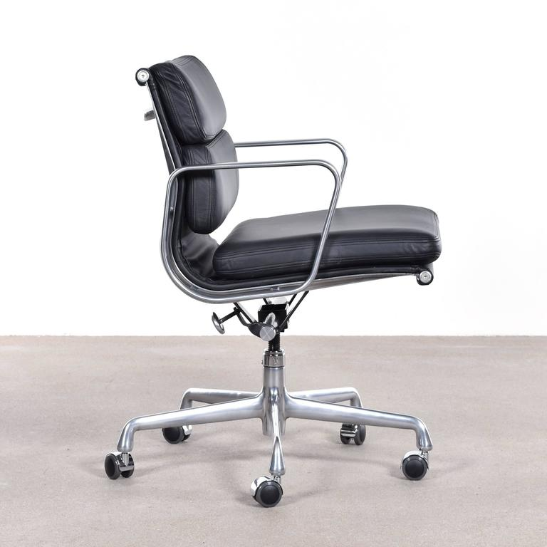Mid Century Modern Eames Ea435 Management Soft Pad Office Chair By Herman  Miller For Sale