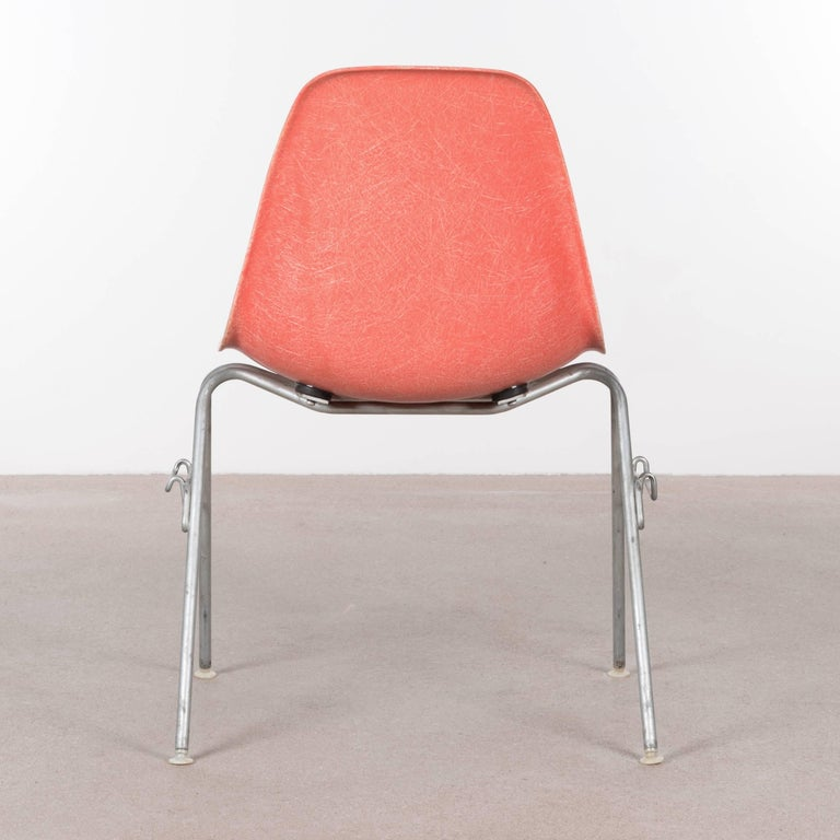 Eames DSS Stacking Side Chair for Herman Miller In Good Condition For Sale In Amsterdam, NL