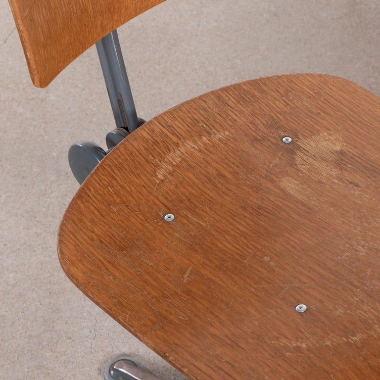 Friso Kramer Industrial Drafting Stools for Ahrend de Cirkel, Netherlands For Sale 8