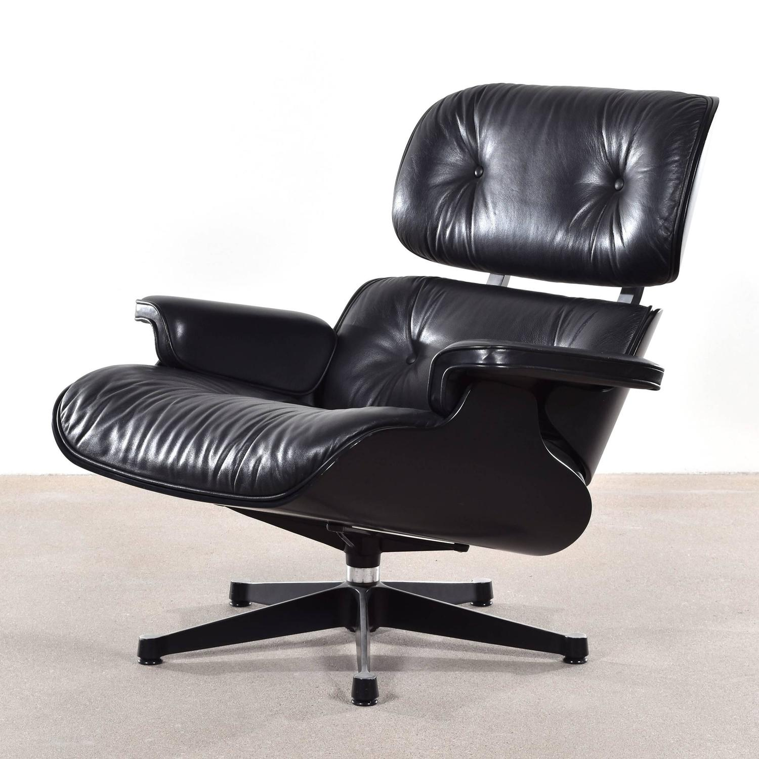 Eames black lounge chair for vitra for sale at 1stdibs for Vitra lounge chair nachbau