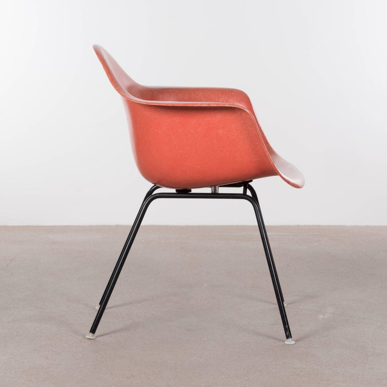 Eames Salmon Dax Dining Chair for Herman Miller, 1958 In Excellent Condition For Sale In Amsterdam, NL