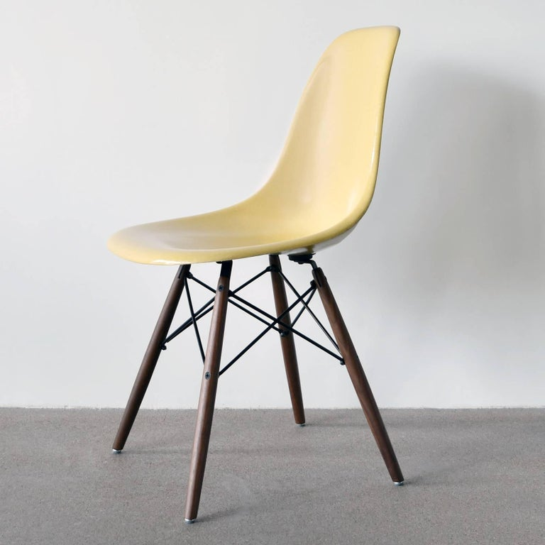 American Set of Six Eames Ochre Light DSW Herman Miller, USA Dining Chairs