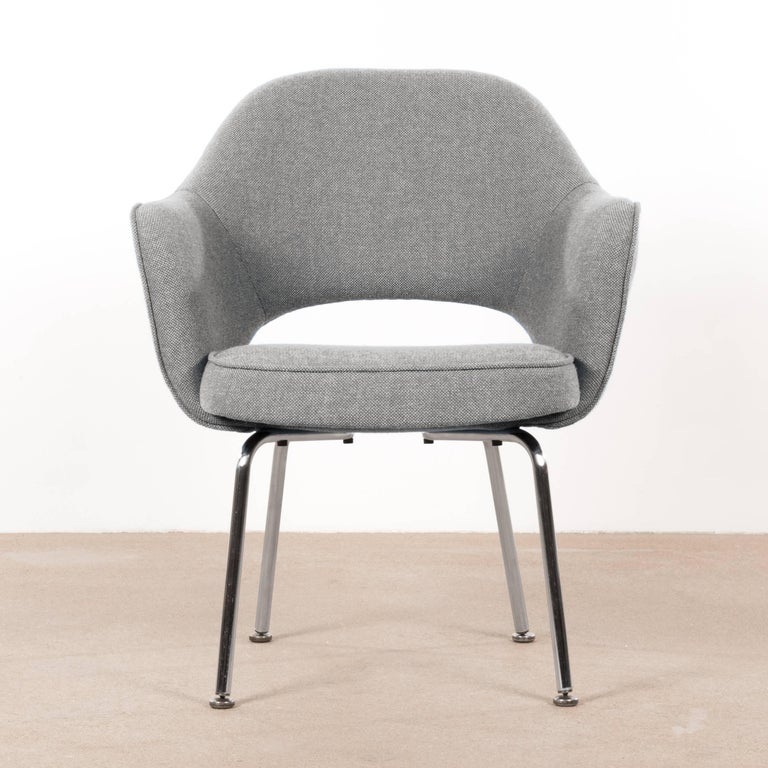 Comfortable and elegant Saarinen executive chairs for Knoll and De Coene. De Coene was a Belgian manufacturer located in Kortrijk which, as from 1954, had the exclusive rights for production and selling Knoll furniture in the Benelux. Chairs are in